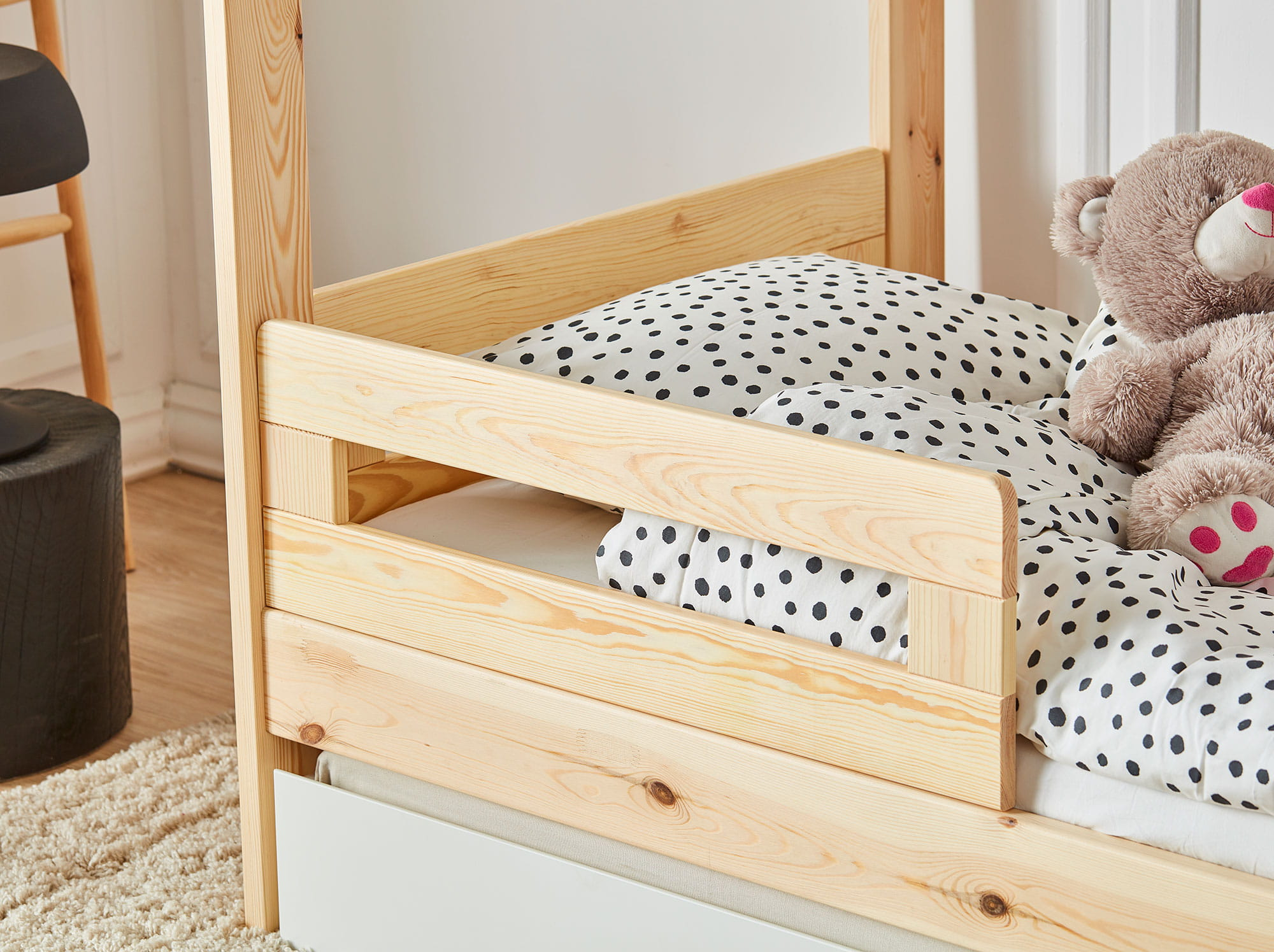 House_bed_200x90_rail_SIMPLE_2.jpg